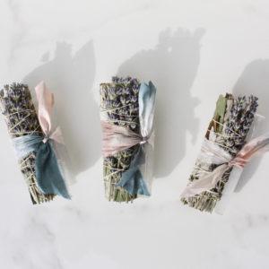 White Sage Eukalyptus Selenit Smudge Stick Bundle
